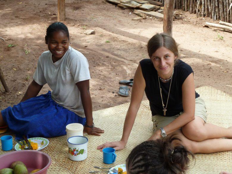 Enrica SAlsi ed un giovane malato