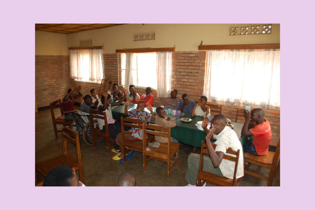 Rwanda pronti per il pranzo a Bare nella Casa Hamaoro
