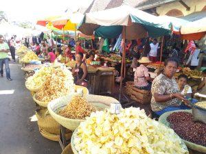 Una fila di prodotti del Madagascar in vendita