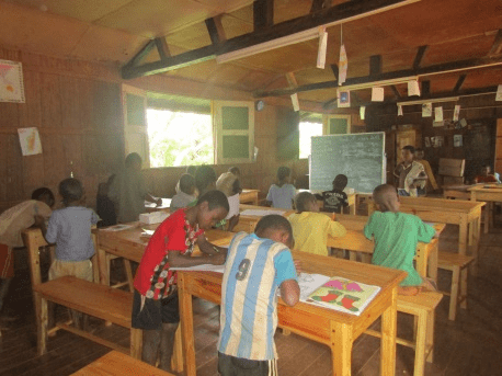 I bambini alla scuola Papillon