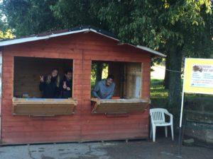 la casetta dei volontari per la raccola delle castagne a Marola