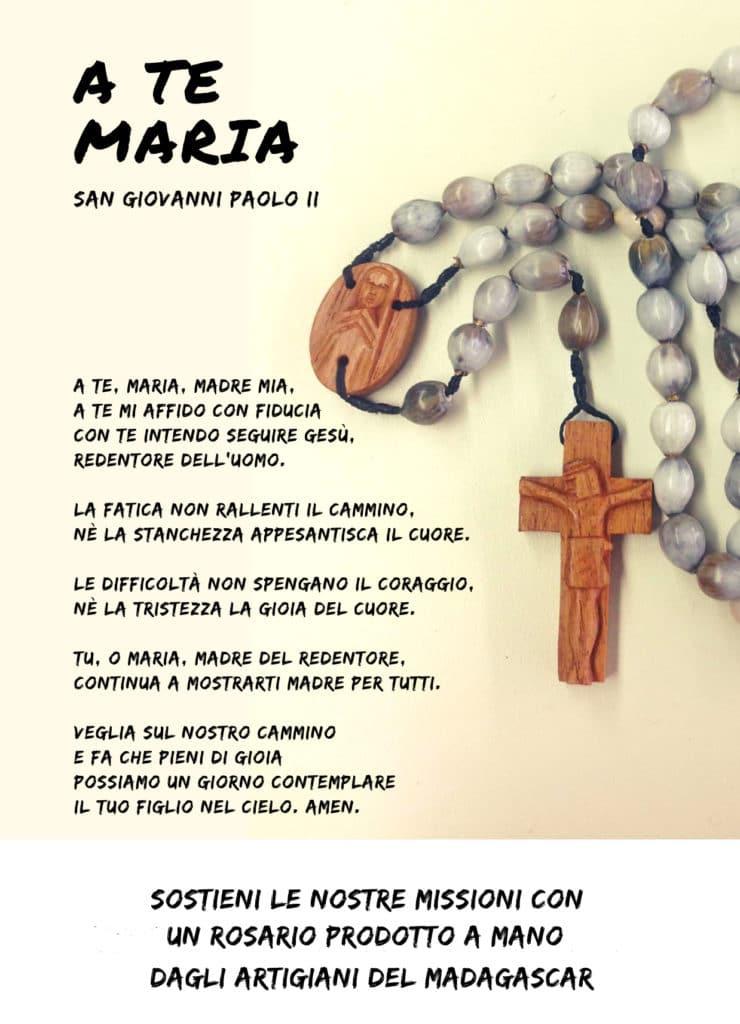 sostieni le nostre missioni con un rosario prodotto a mano dagli artigiani del Madagascar